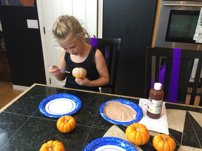 halloween-crafts-for-kids-donkins-dough-painting